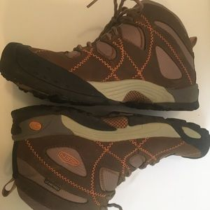 Keen boot brown and tan size 9